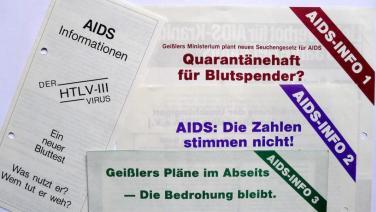 AIDS-INFO 1 bis 3 Flugblätter Nov-Dez 1984 in Hamburg
