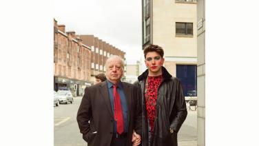 ROSANA CADE// Walking: Holding- Ein Performativer Stadtspaziergang